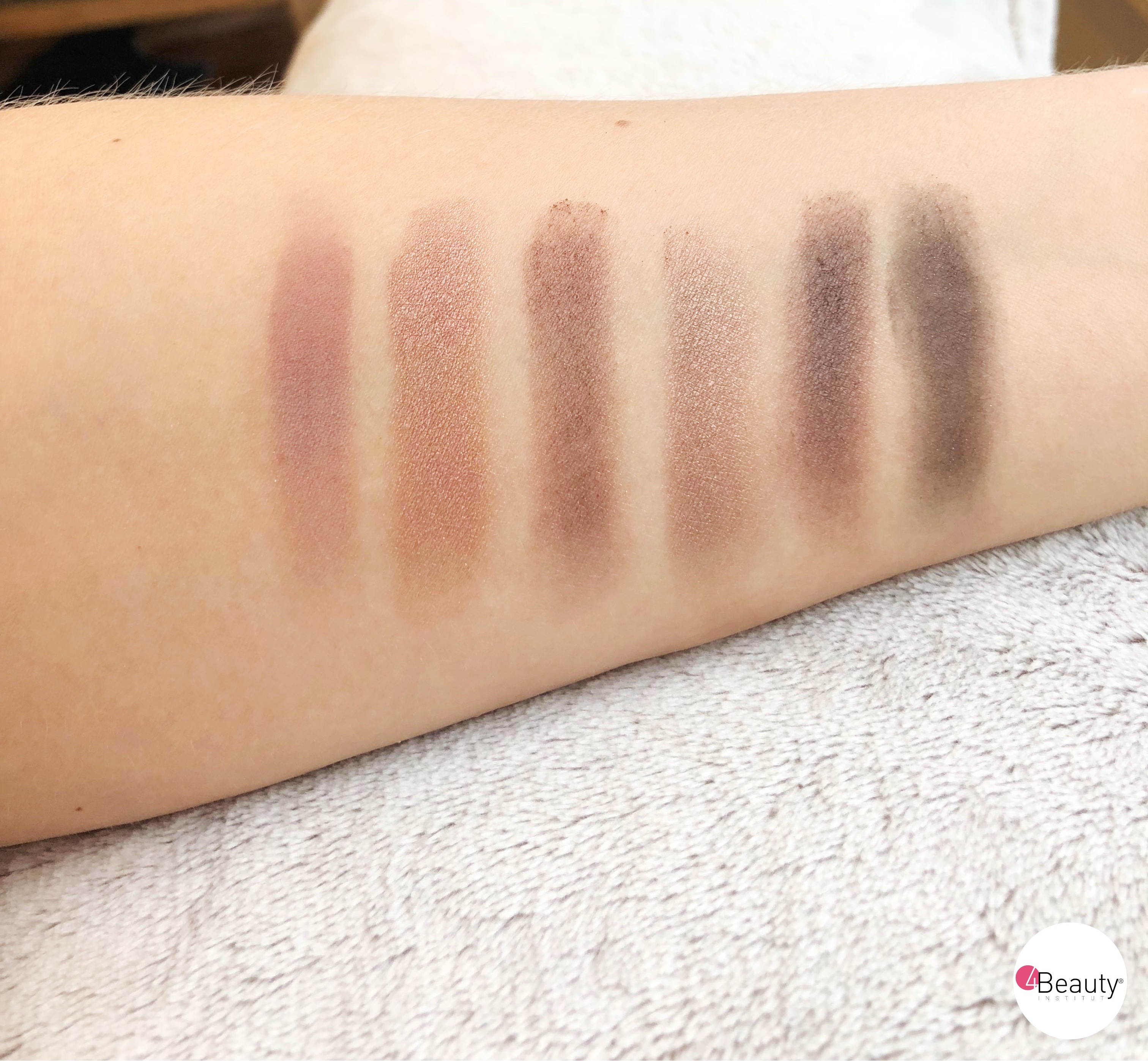 Swatches article yeux bleus 3
