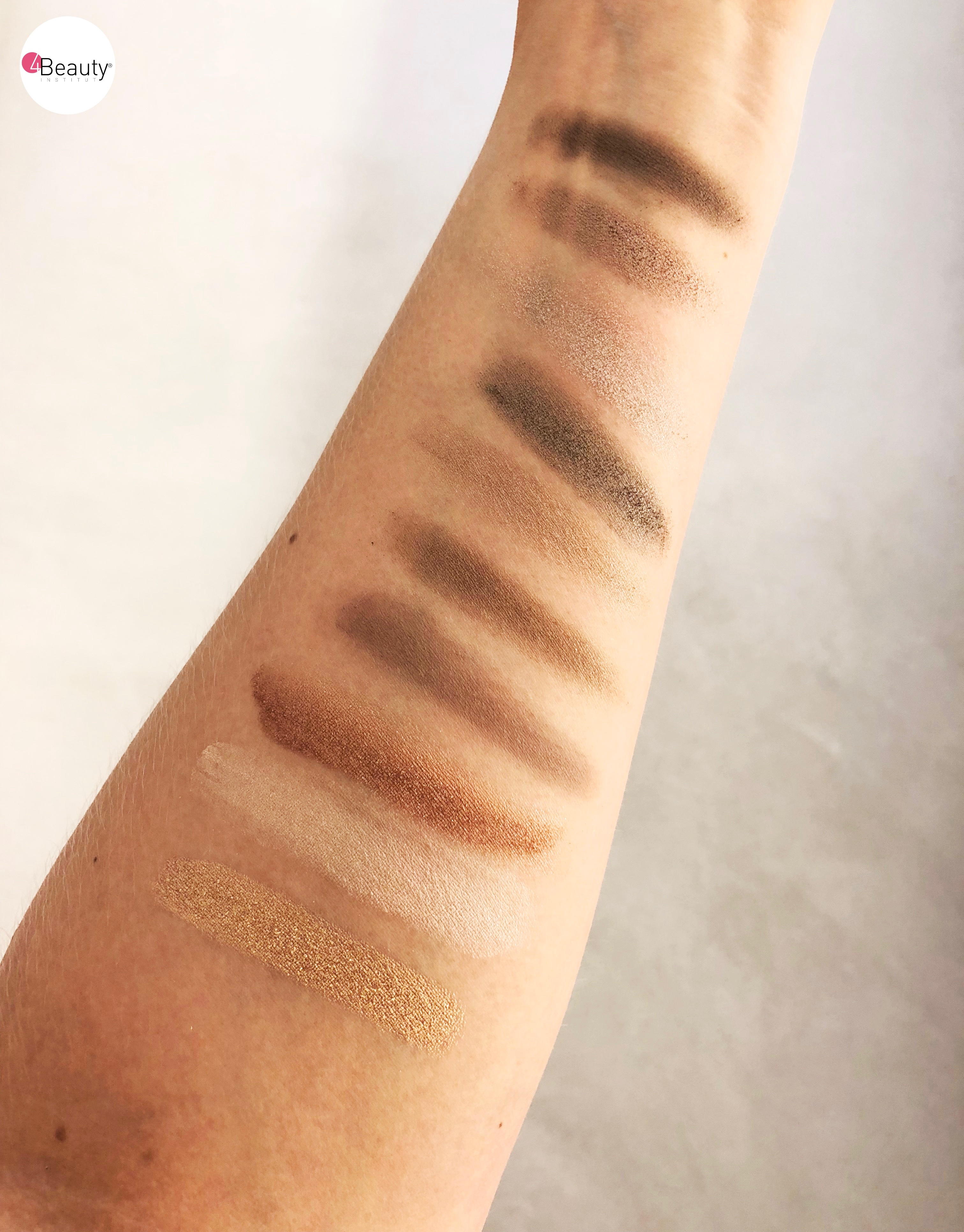 Swatches articles yeux bleus 2